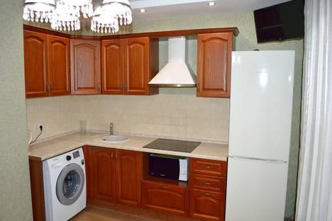 Сдается 2-комнатная квартира посуточно в Самаре, Мичурина 149.
