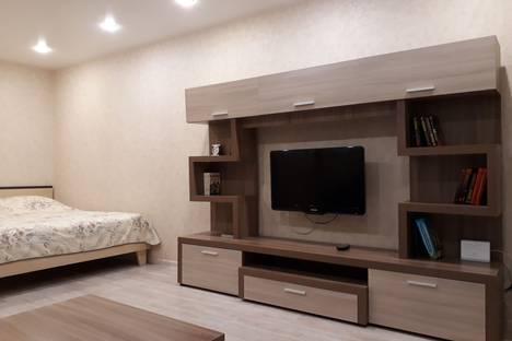 Сдается 1-комнатная квартира посуточно в Кирове, Труда,37.