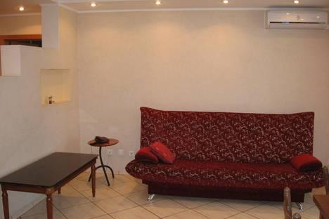 Сдается 2-комнатная квартира посуточнов Омске, Масленникова, 70.