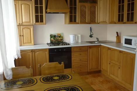 Сдается 3-комнатная квартира посуточнов Омске, Масленникова, 60.
