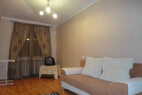 Сдается 2-комнатная квартира посуточнов Тюмени, Текстильная 5.