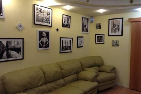 Сдается 2-комнатная квартира посуточнов Назарове, 1-й Юго-Восточный микрорайон, 9.