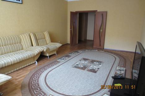 Сдается 2-комнатная квартира посуточнов Казани, чистопольская,62.