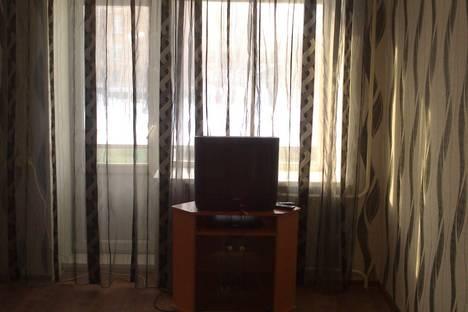 Сдается 2-комнатная квартира посуточно в Ачинске, 2 микрорайон, дом 11.