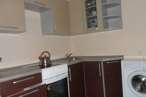 Сдается 1-комнатная квартира посуточнов Дзержинске, ул. Дружаева, 15.