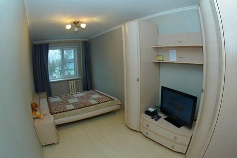 Сдается 2-комнатная квартира посуточно в Калуге, ул. Октябрьская ,д. 10.