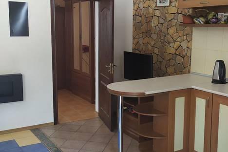 Сдается 2-комнатная квартира посуточно в Ялте, Архивная улица, 8.