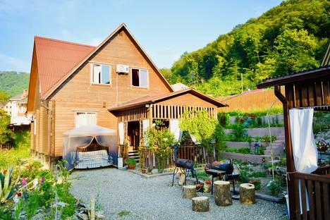 Сдается коттедж посуточно в Агое, садовое товарищество Черноморье.