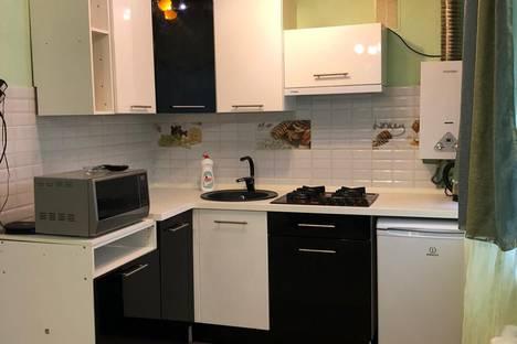 Сдается 2-комнатная квартира посуточно, улица Северной Правды, 25.