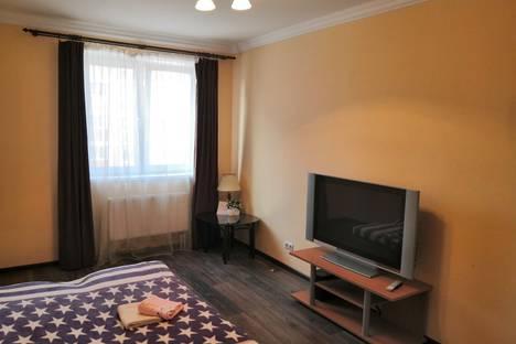 Сдается 1-комнатная квартира посуточно, ул.Лучистая, дом 8.