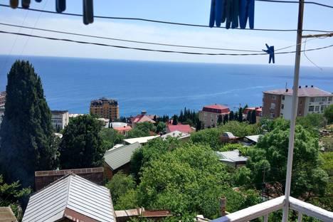 Сдается 2-комнатная квартира посуточно в Кореизе, Республика Крым, городской округ Ялта,поселок Мисхор Южная 11.