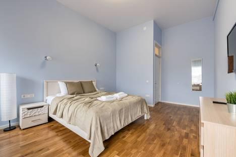 Сдается 5-комнатная квартира посуточно, Курляндская улица, 11.