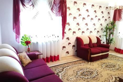 Сдается 2-комнатная квартира посуточно, Минская область,улица Ленина, 4, подъезд 1.