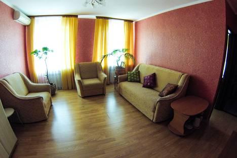 Сдается комната посуточно в Алуште, ул. Симферопольская, 38.