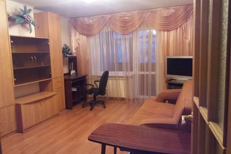 Сдается 1-комнатная квартира посуточно, улица Папанина, 7к2.