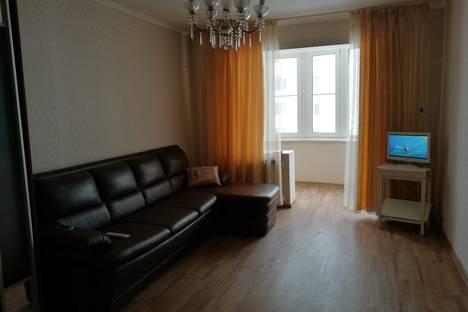 Сдается 1-комнатная квартира посуточно в Энгельсе, улица Тельмана, 150/9.