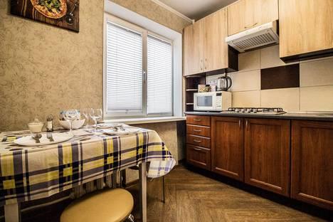 Сдается 2-комнатная квартира посуточно в Калининграде, улица Генерала Соммера, 64.