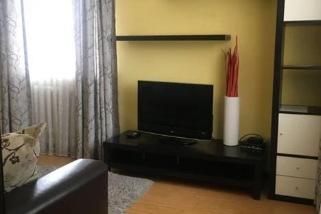 Сдается 1-комнатная квартира посуточно в Ачинске, 2-й микрорайон, 18.