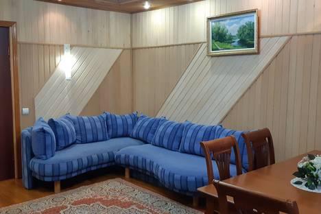 Сдается 2-комнатная квартира посуточно в Альметьевске, проспект Строителей, 10.