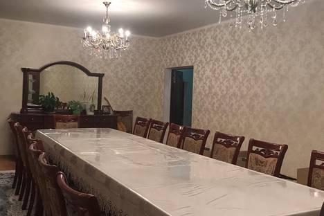 Сдается коттедж посуточно в Алматы, Наурызбайский район, микрорайон Акжар.