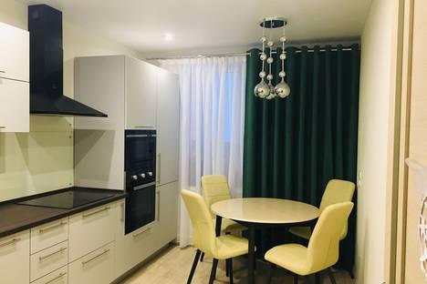 Сдается 1-комнатная квартира посуточно в Первоуральске, ул. Бульвар Юности.