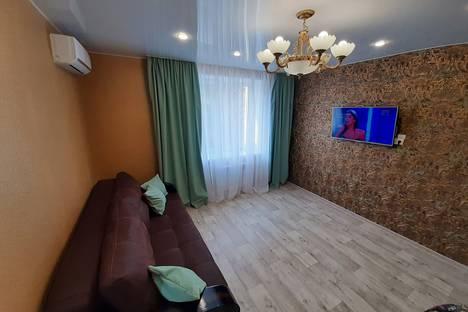 Сдается 2-комнатная квартира посуточно в Ульяновске, улица Федерации, 87.