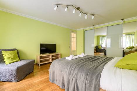 Сдается 2-комнатная квартира посуточно в Санкт-Петербурге, Миллионная улица, 17.