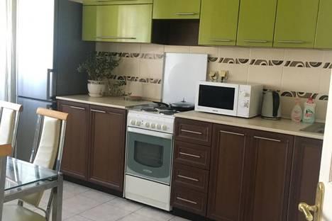 Сдается 3-комнатная квартира посуточно в Казани, проспект Ямашева, 67.