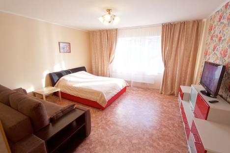 Сдается 2-комнатная квартира посуточно, улица Алексеева, 22.