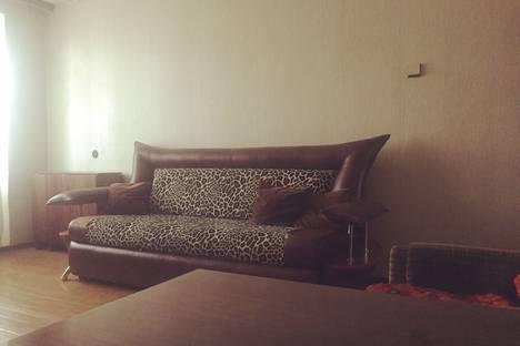 Сдается 2-комнатная квартира посуточно в Новочебоксарске, Комсомольская улица, 20.