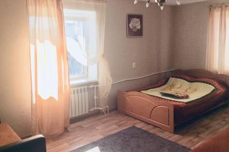 Сдается 1-комнатная квартира посуточно в Нижнем Тагиле, улица Липовый Тракт, 38.