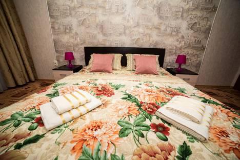 Сдается 2-комнатная квартира посуточно в Ростове-на-Дону, улица Оганова, 16.