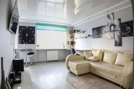 Сдается 1-комнатная квартира посуточно в Мурманске, улица Полярные Зори, 13.