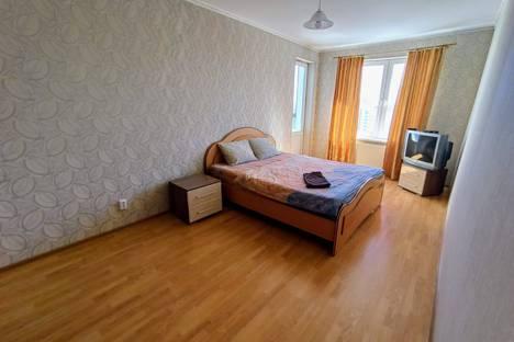 Сдается 1-комнатная квартира посуточно, улица Краснолесья, 147.