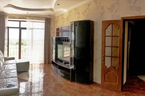 Сдается 3-комнатная квартира посуточно в Геленджике, Малоземельская улица, 4.