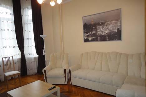 Сдается 2-комнатная квартира посуточно в Ростове-на-Дону, Ворошиловский проспект, 91  центр.