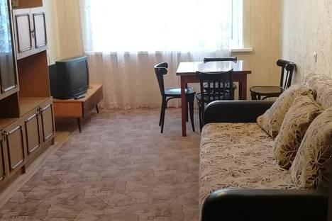 Сдается 3-комнатная квартира посуточно в Челябинске, Солнечная улица, 26.