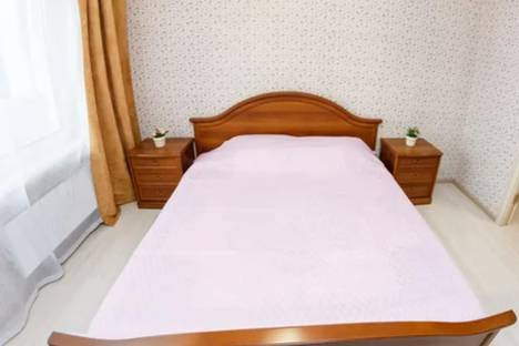 Сдается 2-комнатная квартира посуточно в Красноярске, улица Алексеева, 27.