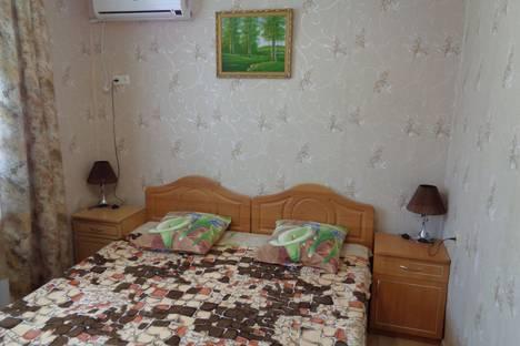 Сдается 2-комнатная квартира посуточно в Новом Свете, улица Голицына, 36.