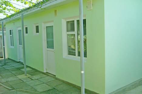 Сдается 1-комнатная квартира посуточно, село Морское, Ленина, 40а.