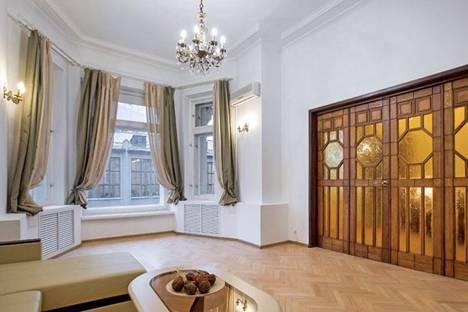 Сдается 5-комнатная квартира посуточно в Москве, Тверская улица, 9.