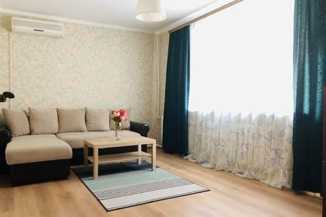 Сдается 2-комнатная квартира посуточно в Ростове-на-Дону, улица Ларина, 7.