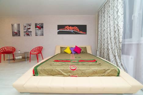 Сдается 1-комнатная квартира посуточно, улица Братьев Кашириных, 119.