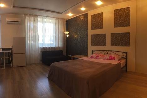 Сдается 1-комнатная квартира посуточно, Большая Покровская улица, 93.