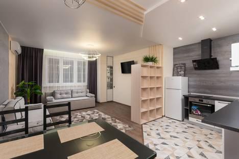 Сдается 2-комнатная квартира посуточно в Челябинске, 1-я Окружная улица, 5.