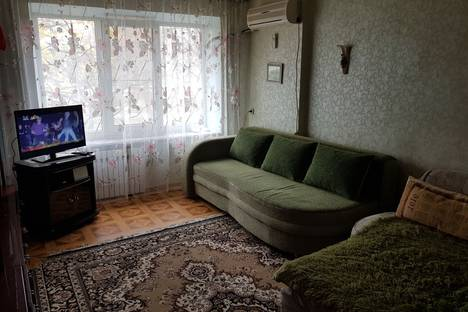 Сдается 1-комнатная квартира посуточно в Минеральных Водах, Советская улица, 68.