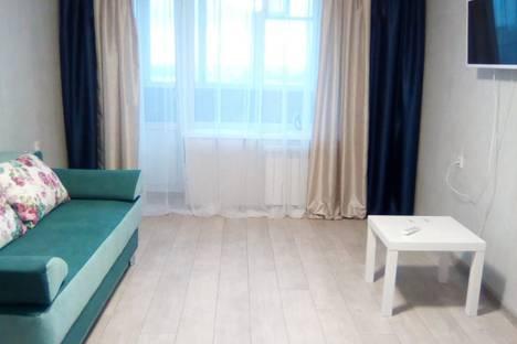 Сдается 2-комнатная квартира посуточно в Новосибирске, улица Челюскинцев, 14/1.
