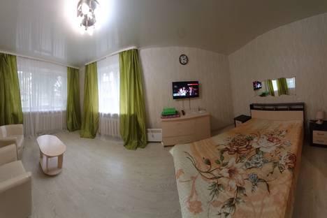 Сдается 1-комнатная квартира посуточно, Первомайская улица, 62.