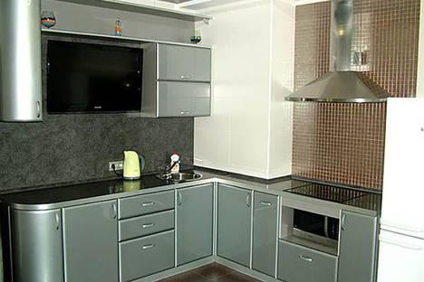 Сдается 2-комнатная квартира посуточно в Самаре, улица Ерошевского, 18.