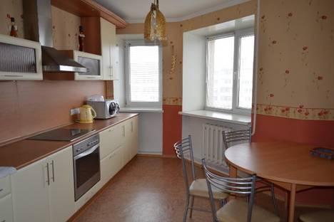 Сдается 2-комнатная квартира посуточнов Тюмени, 50 Лет Октября 24.